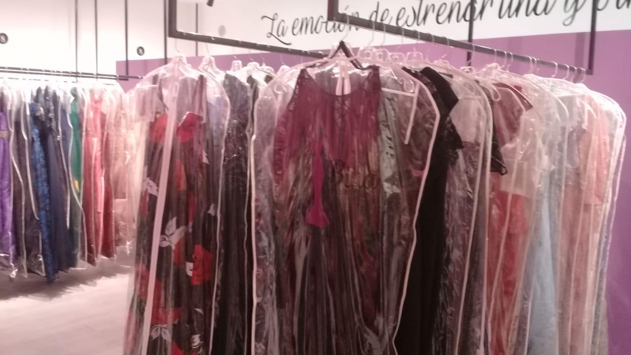 Renta De Vestidos En San Nicolás Bina Boutique